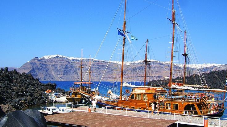 Tholos Resort Hotel Santorini - boat trip to the volcano - Santorini view from the volcano