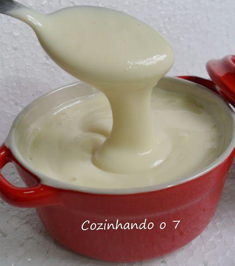 Leite Condensado Diet - 1 copo (135g) de leite em pó desnatado, 1/2 copo (125 mL) de água fervente, 1/2 copo (20g) de adoçante culinário, 1 cl. sobremesa de margarina light (pode ser Becel). Misturar o leite em pó na água fervente. Mexer até diluir completamente o pó. Colocar no liquidificador com os demais ingredientes.  Bater sem parar por 5 a 10 minutos para pegar consistência. Colocar num pote com tampa na geladeira. Só usar no dia seguinte, pois vai ficando cremoso em algumas horas.