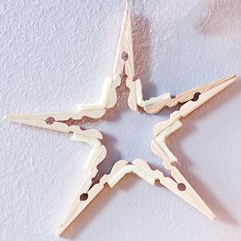 Deko-Stern aus Holz-Wäscheklammern basteln