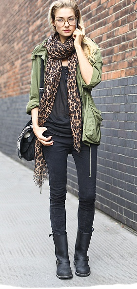 Jess HartFashion, Leopard Scarf, Street Style, Leopards Scarf, Outfit, Animal Prints, Scarves, Leopards Prints, Jessica Hart