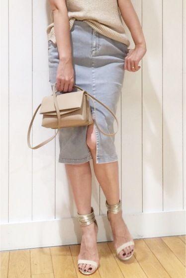 ハイストレッチスカート  ハイストレッチスカート 22680 美脚効果抜群の膝丈タイトスカートは夏に大活躍のアイテム こなれ感のあるライトグレーがベーシックなトップスの鮮度を上げてくれます Tシャツやリネンニットを合わせてウェストのフリンジをポイントにしたスタイリングがおすすめです 取り扱いについては商品についている洗濯表示にてご確認下さい 店頭及び屋外での撮影画像は光の当たり具合で色味が違って見える場合があります 商品の色味はスタジオ撮影の画像をご参照下さい グレー着用スタッフ身長:164cm 着用サイズ36 モデルサイズ:身長:165cm バスト:73cm ウェスト:58cm ヒップ:85cm 着用サイズ:36