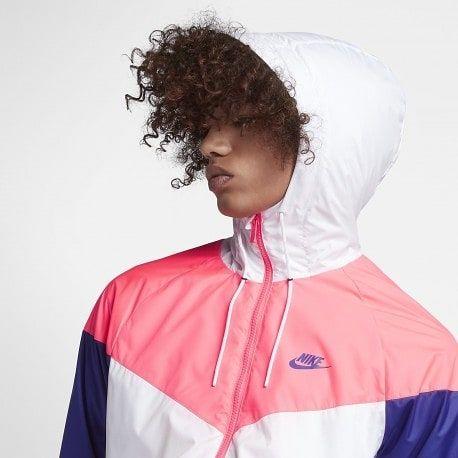 Jacket Nike Sportswear Windrunner  Size Man - Precio: 79 (Spain Envíos Gratis a Partir de 99) www.loversneakers.com  #loversneakers#sneakerheads#sneakers#kicks#zapatillas#kicksonfire#kickstagram#sneakerfreaker#nicekicks#thesneakersbox #snkrfrkr#sneakercollector#shoeporn#igsneskercommunity#sneakernews#solecollector#wdywt#womft#sneakeraddict#kotd#smyfh#hypebeast #nikeair #nike