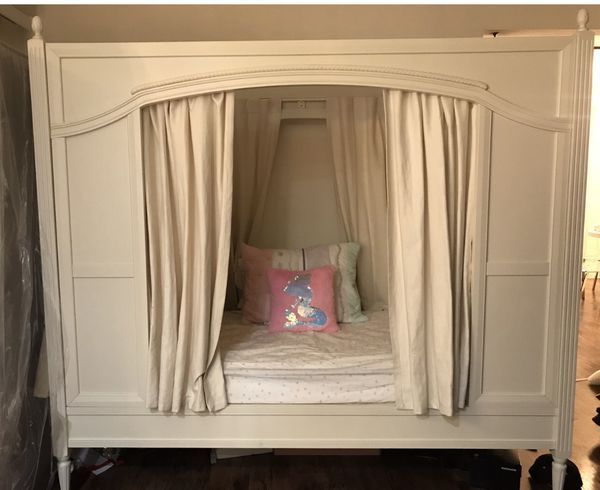 Best Pottery Barn Kids Blythe Carriage Bed Set Must Go This 400 x 300