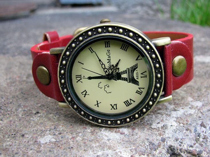 Damklocka WoMaGe - Vintage Eiffel (röd) #womage #modeklockor #modeur #smyckesur #fashion #damklockor #damklocka #klocka #klockor #herrklocka #herrklockor #runns #watch #watches