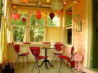 Downstairs sun porch: Idea, Lakes House, Dreams, Paper Lanterns, Sun Porches, Paper Lamps, Small House, Back Porches, Sunporch
