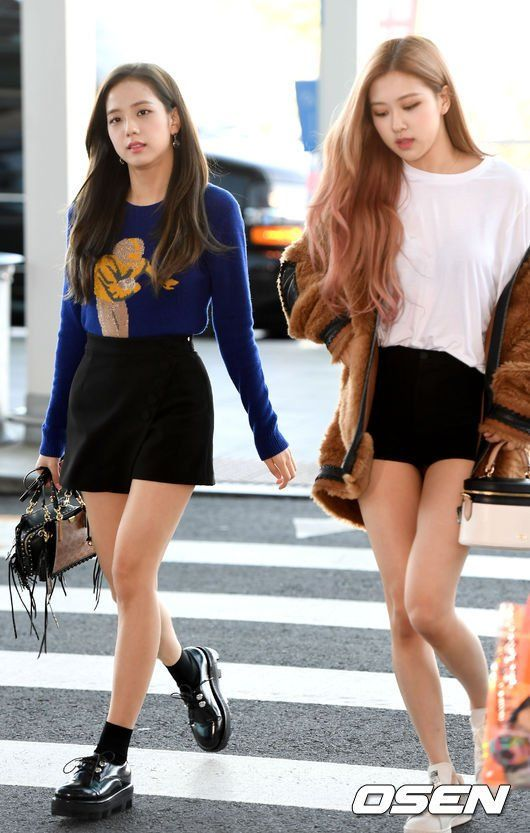 e73a13654d4b2 180908 BLACKPINK Jisoo, Rosé, and Lisa at Incheon Airport, heading to New  York for the New York Fashion Show this weekend #blackpink #jisoo #rose  #lisa ...