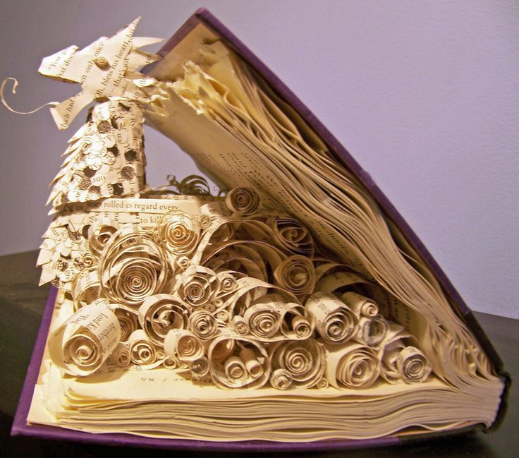 So pretty! But they wasted a perfectly good book..,: Books Sculpture, Books Art, Funny Pictures, Dragon Tales, Paper Sculpture, Altered Books, Chronicles Of Narnia, Fall Apartment, Old Books
