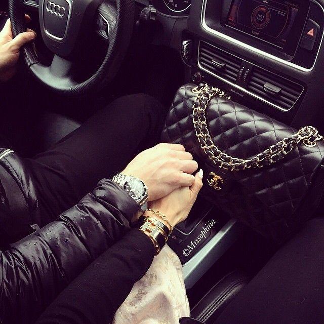 девушка с парнем в машине - 4