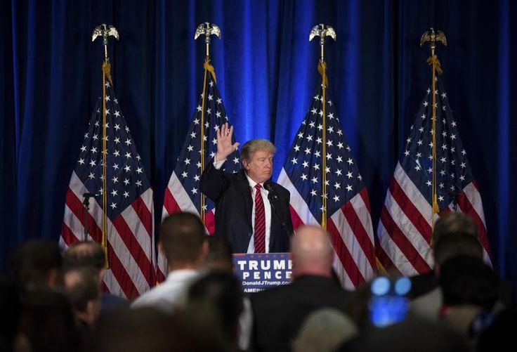 "Trump: 10 poin untuk kekang ""terorisme"" Islam  WASHINGTON (Arrahmah.com) - Presiden AS Donald Trump pada Jum'at (27/1/2017) memutuskan untuk menutup selama empat bulan masuknya pengungsi ke Amerika Serikat dan melarang pengunjung dari Suriah dan enam negara mayoritas Muslim lainnya. Ia mengatakan bahwa langkah ini dilakukan untuk melindungi Amerika dari serangan ""teroris"".  Sementara pendukung Trump memuji keputusan ini sejumlah kelompok hak asasi manusia mengkritiknya.  Berikut adalah 10…"
