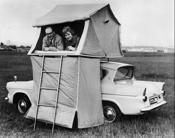 AwesomeCars Camps, Ford Anglia, Caravan, Campers, Vintage Camping, Vintage Camps, Cars Tents, Roads Trips, Camps Fun