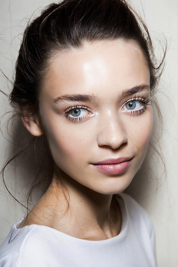 Photo-Ready Makeup - HD makeup tutorial | DailyMakeover.com