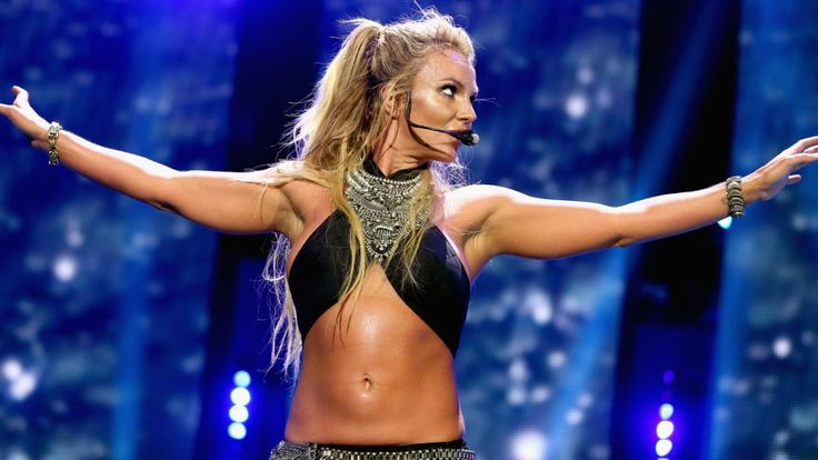 6 Times Britney Spears Flashed Her Abs and Made Us Want to Work Out ASAP: The pop star's core is an endless source of fitspiration.