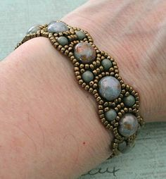 Linda's Crafty Inspirations: Bracelet of the Day: Canterbury with Candy Beads