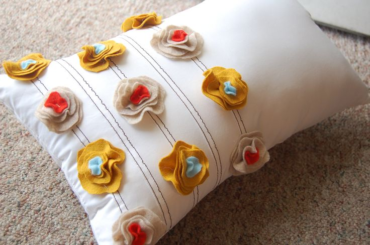 Felt Poppy Pillow in White Cotton with Mustard Yellow/Poppy Red/Aqua/Tan Felt    20x12
