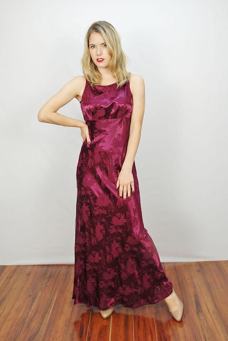 maxi dress 90s 4 person