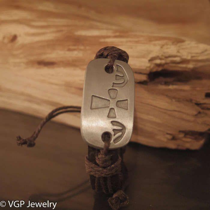 Stoere Kruis Armband: leren armband bruin