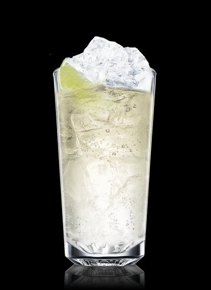 Absolut Kurant Nordic - 1 Part Absolut Kurant, Bitter Lemon, 2 Wedges Lime