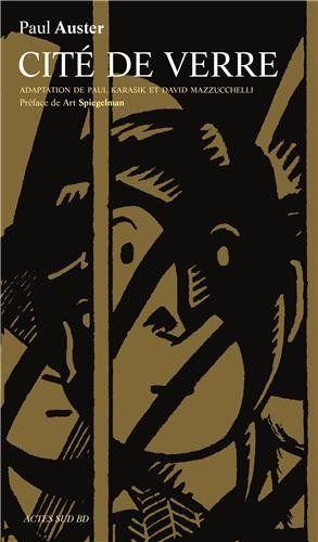 Solide adaptation graphique du premier volet de la «Trilogie new yorkaise». Éveillé par un coup de fil, Quinn, auteur de romans noirs, est plongé dans une étrange aventure où New York est bien plus qu'un décor. Un récit qui aborde entre autres les thèmes de la perte d'identité et du rapport entre personnage et auteur chers à Auster. Dessin au trait économe, sans demi-teintes, qui fait un peu penser à l'art de la gravure sur bois.