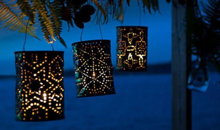 Metodo elegante ed economico per illuminare il giardino nelle notti d'estate