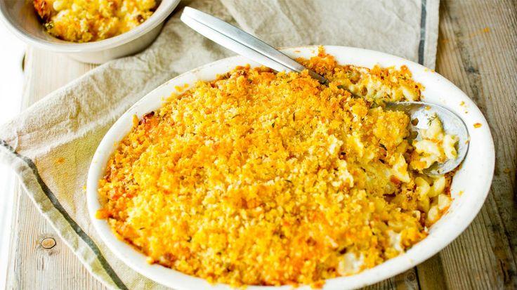 Makaronigrateng med blomkål :) Nam! Veldig god med skinke og/eller sprøstekt bacon i også <3  http://www.godt.no/#!/oppskrift/1907/mac-n-cheese-makaronigrateng-med-blomkaal