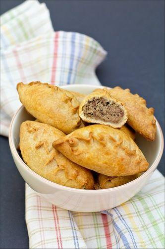 pies with thin crust (пирожки с куриной печенью)