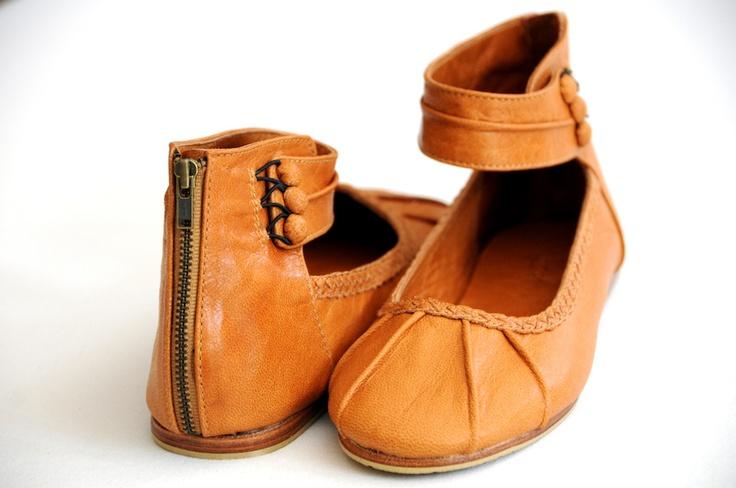 Muse...Amazing Shoes!Leather Flats, Braids Details, Elf Muse, Custom Shoes, Woman Shoes, Ballet Flats, Handmade Leather, Leather Colors, Leather Shoes