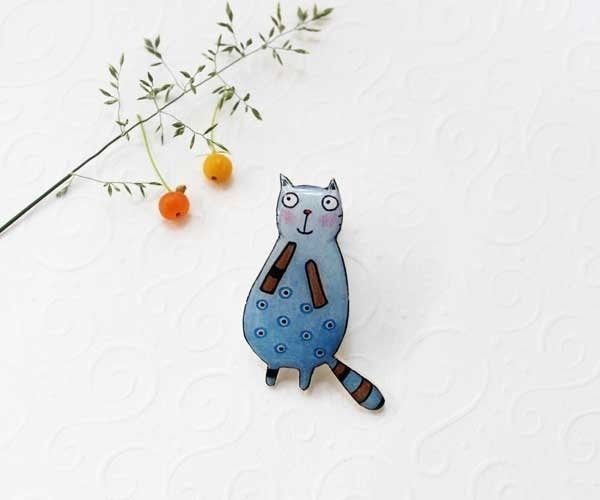 Cat brooch pin, cat jewelry, animal jewelry  from Dinabijushop by DaWanda.com