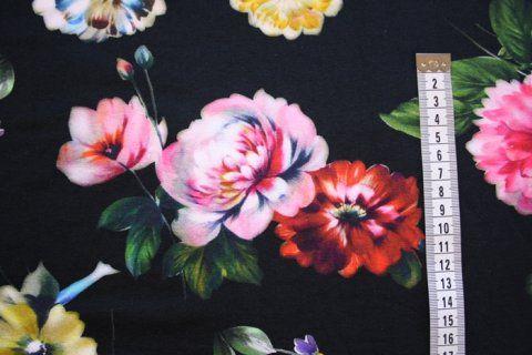 Digitalprint smukke blomster på sort