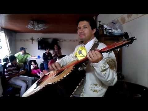 Aunque no sea Mayo Mariachis Bogotá Juvenil Harry Arias - YouTube