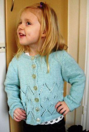 8ffa0221ebf Pigetrøje med hulmønster og bobl   Crochet   Strik ...