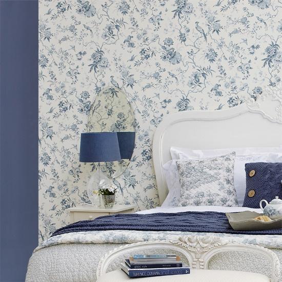 Mavi çiçek yatak odası
