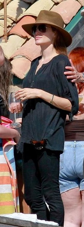 Who made Angelina Jolie's black skinny jeans that she wore in Malibu?