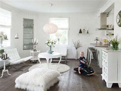 pretty room. Skurgolv