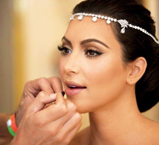 Kim Kardashion!! Totally famous glamour!!