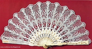 Crochet fan - Click on the diagram below the picture and you will get a full diagram (Spanish site).