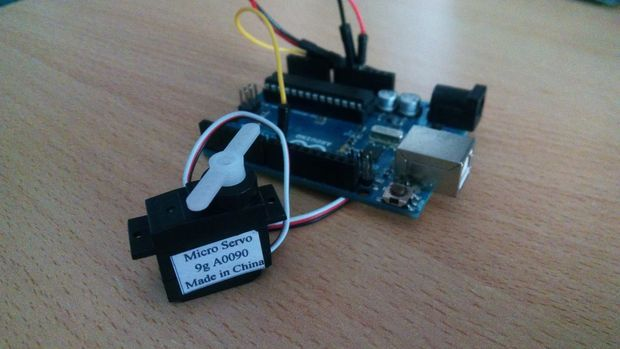 How to use a servo motor - Arduino Tutorial