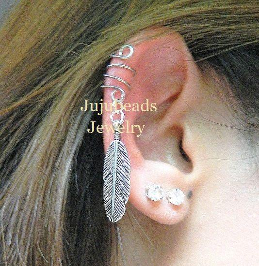 NO PIERCING REQUIRED Silver Feather Ear Cuff par jujubee4 sur Etsy, $4,49: Silver Feathers, Requir Silver, Feathers Earrings, Earrings Handmade, Earrings Cuffs, Feathers Ears, Piercings Requir, Ear Cuffs, Ears Cuffs