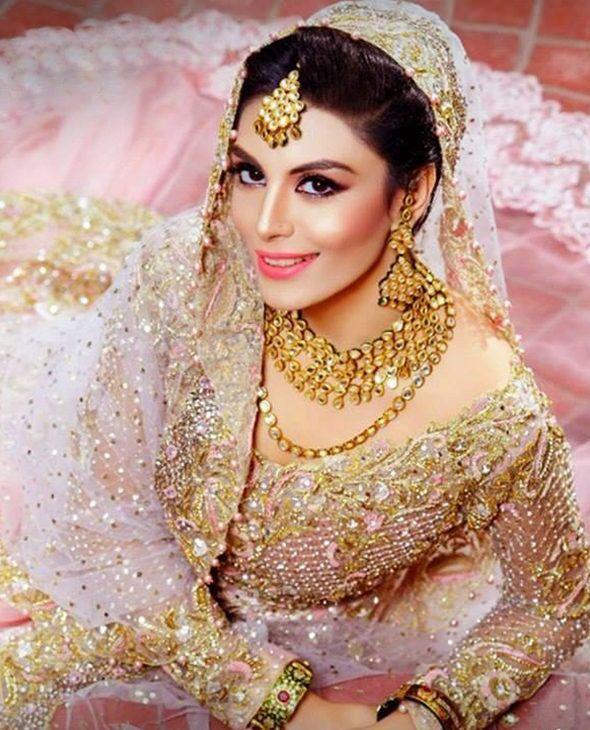 a25c4cace62d Choosing the Most Flattering Bridal Embroidery for Your Shaadi ka Jora -  Shehnai
