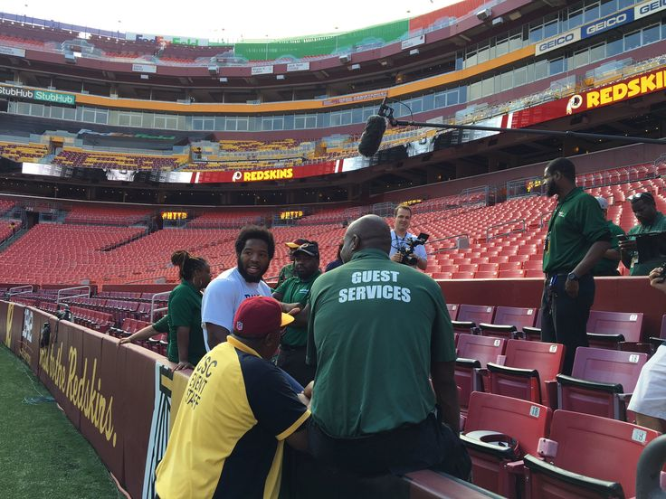 Even as a Cowboy Alfred Morris continues his tradition of spending Pre-game with FedEx field workers  https://twitter.com/MikeGarafolo/status/777510894783823872 Submitted September 18 2016 at 10:26AM by sudzone89 via reddit http://ift.tt/2cmXYrh