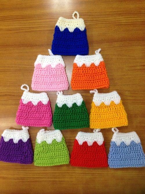 アクリルたわし【富士山】の作り方 編み物 編み物・手芸・ソーイング   アトリエ 手芸レシピ16,000件!みんなで作る手芸やハンドメイド作品、雑貨の作り方ポータル