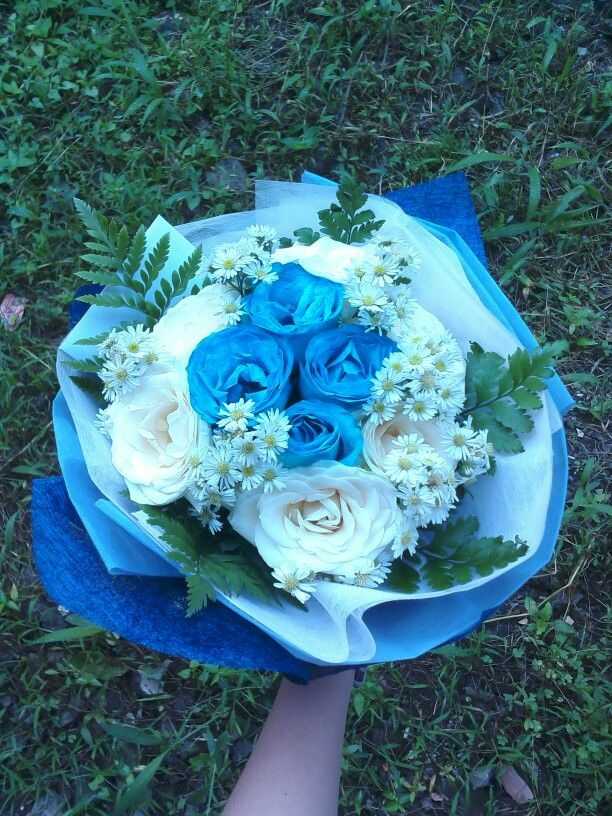 My personal hand bouquet. I was a little bit proud of myself for being able to make this such an adorable bouquet. -E.V.E-