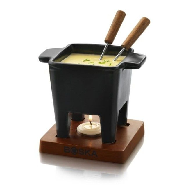 Boska Pro Collection Tapas Cheese Fondue Set, 2 Person. Try with bread, crudites, chorizo, olives or any other foods you enjoy for a tapas taste sensation! #cheesegifts #giftideas