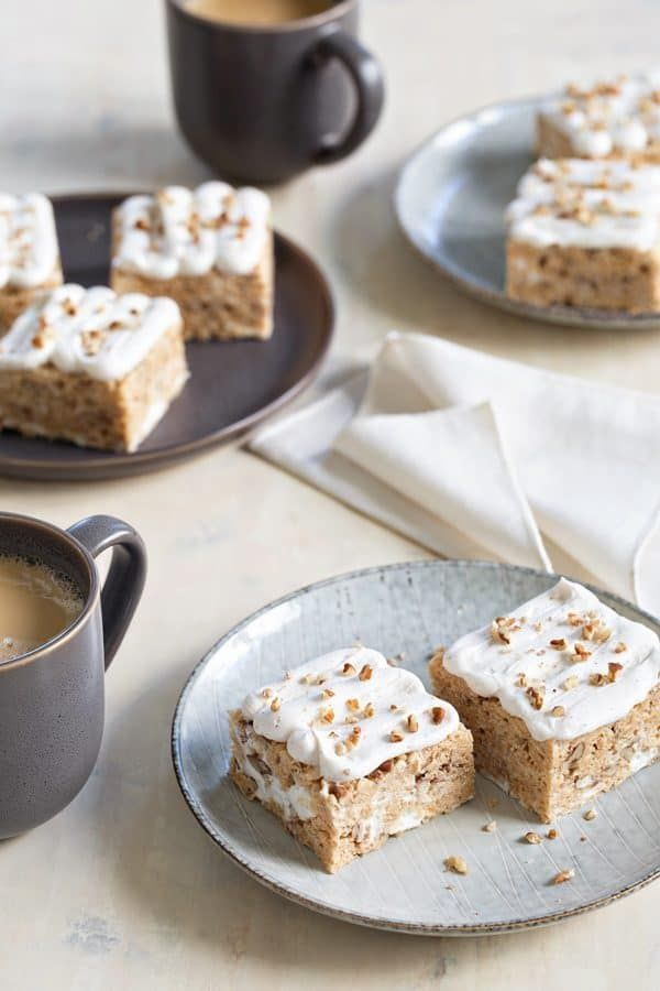 Frosted Maple Pecan Marshmallow Cereal Treats are a surefire no-bake treat. Simple and so perfect for fall! #nobake #desserts
