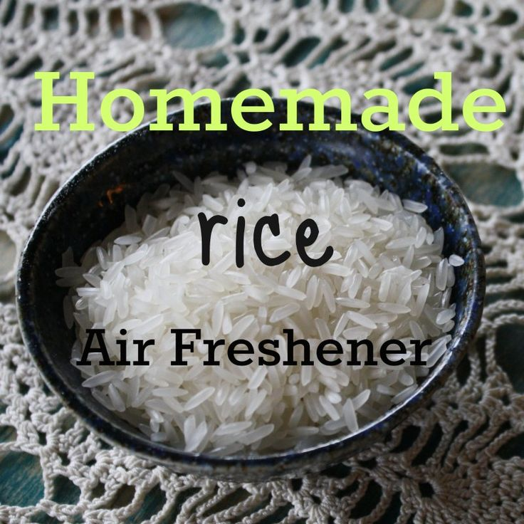 A simple and quick #DIY #homemade air freshener with rice and #essential oils.  @homemadeexp