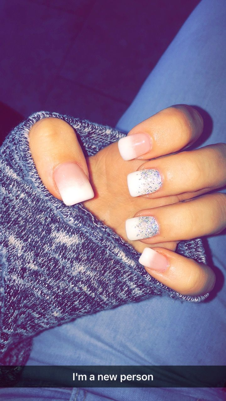 Glitter, ombré, acrylic nails, winter, fall, white, French tip
