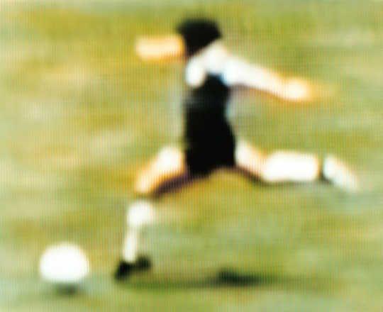 Robert Davies, Diego Maradona Argentina v England 2-1 (Quarter-final) 22.06.1986 Estadio Azteca Mexico City, Mexico, 2003 / 2006 © www.lumas.com #lumas