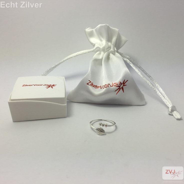Zilveren blad ring versierd met witte zirkonia - ZilverVoorJou Echt 925 zilveren sieraden
