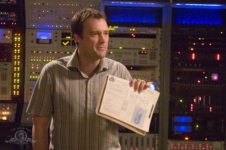 David Hewlett playing Dr. Rodney Mckay on SGA - he was fantastic on the show! S1E9 Home