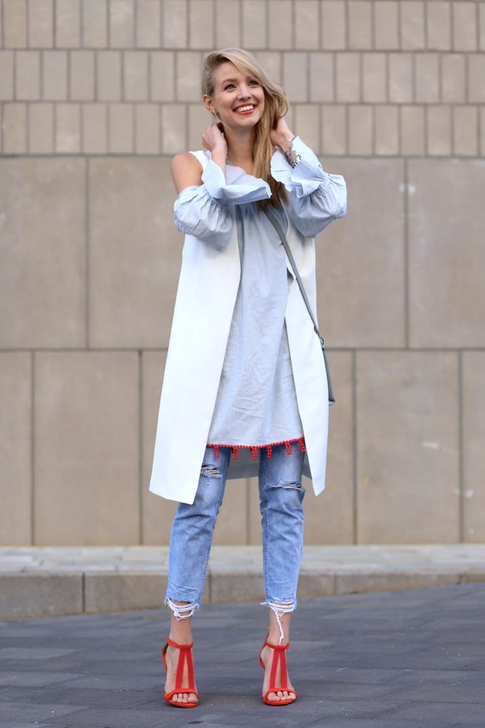 All deets: http://www.ohhcouture.com/2015/06/off-shoulder-red-details/   Streetstyle: off shoulder dress, layering, used denim, strappy heels, waistcoat #ohhcouture