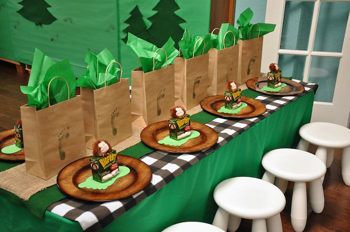 bigfoot party | My favorite Bigfoot party ideas and elements from this darling ...